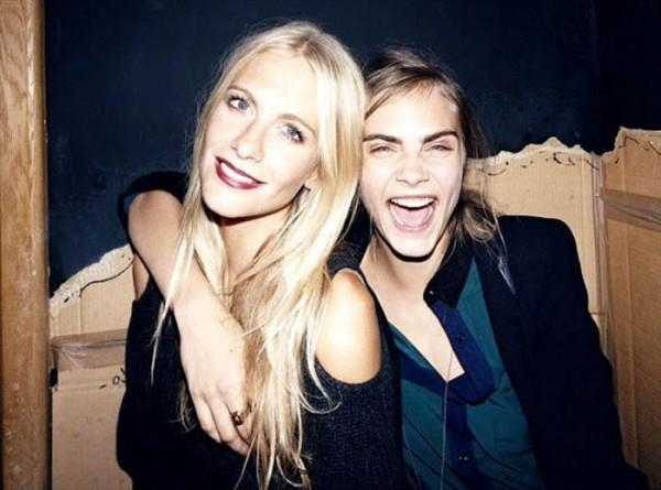Sisterly love: Poppy & Cara Delevingne.