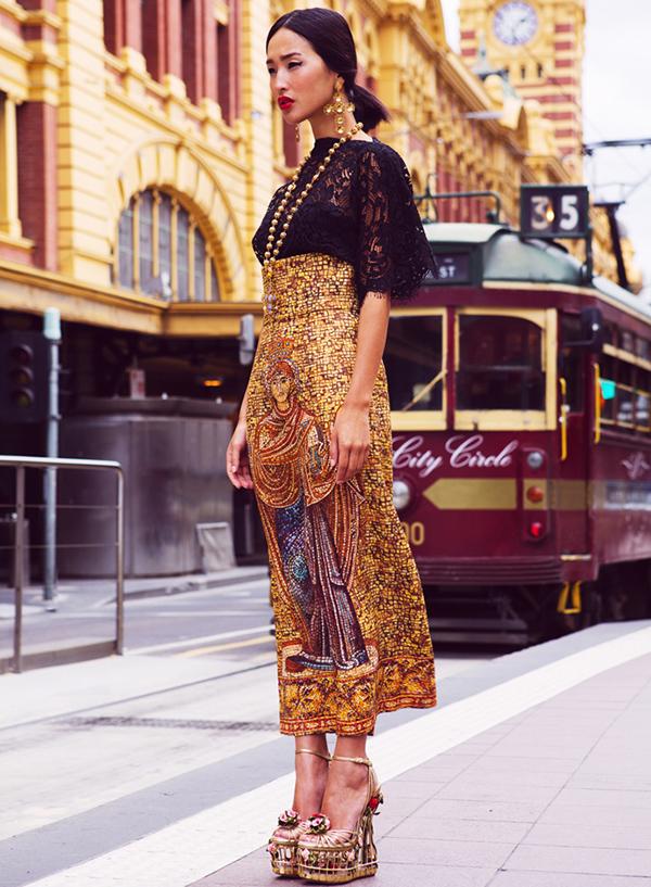 Nicole-Warne-wearing-dolce-and-gabbana-at-Flinders-Street-Station