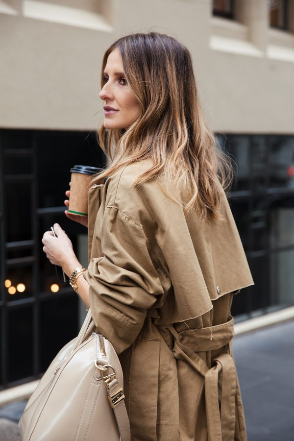 kate waterhouse trench coat street style