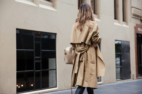 kate waterhouse trench coat street style 7